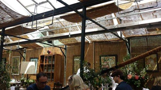 Petersham Nurseries Cafè: Panoramica inside