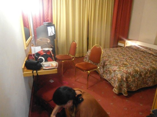 Hotel Mirage: view of room