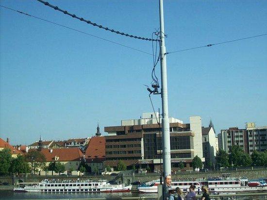 President Hotel Prague : Vue depuis la Moldau
