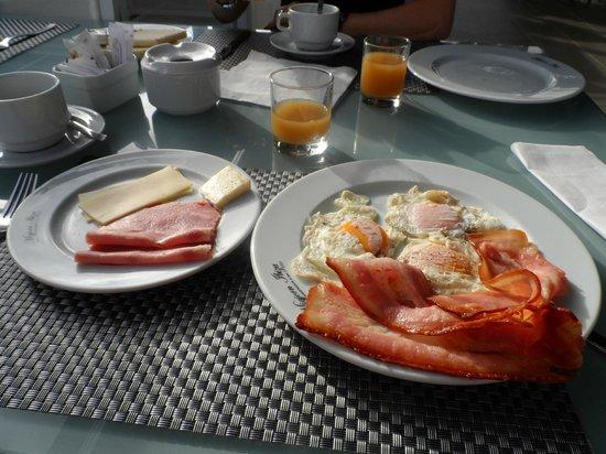 Migjorn Ibiza Suites & Spa: petit déj...