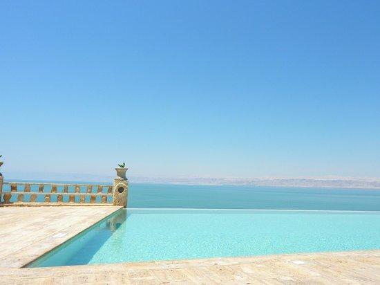 Mövenpick Resort Tala Bay Aqaba: infinity pool