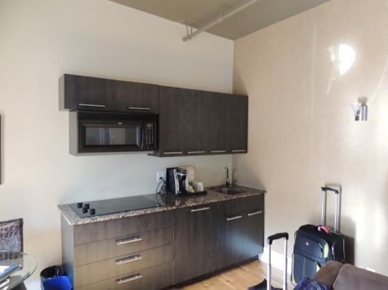 L'Hotel Port-Royal: pequena e pratica cozinha