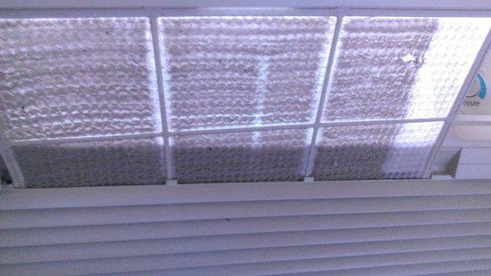 La Quinta Inn & Suites Houston NASA Seabrook: Ac filter in the room