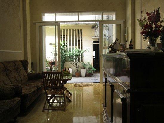 Luan Vu Hotel: The lobby area