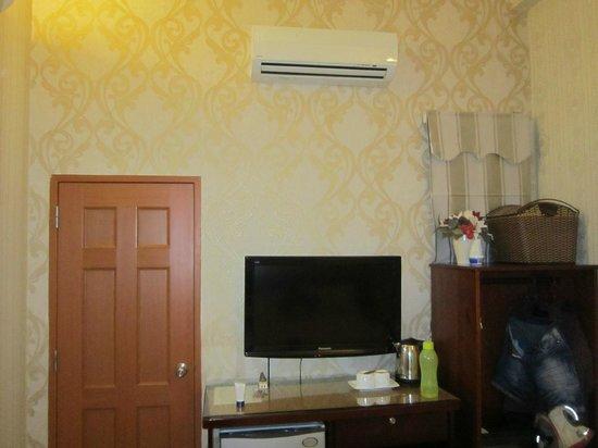 Luan Vu Hotel: Facilities in the bedroom