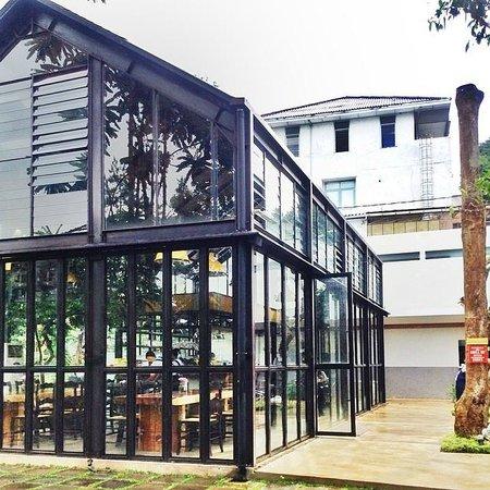 Our Restaurant also Miss Bee Providore as well Cafe Keren Dan Unik Di Bandung also P Starbuck Coffee Ir Haji Juanda Dago Bawah Halal Raspberry Frappucino P201369565 also My Secret Garden. on miss bee providore bandung