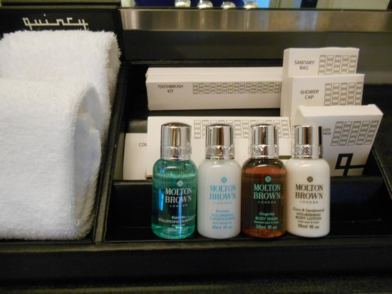 The Quincy Hotel by Far East Hospitality: Lovely Molton Brown amenities