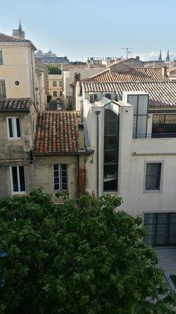 Hotel Cesar: Blick nach hinten aus dem Zimmer in der Zwischenetage