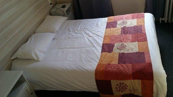 Hôtel César : Schlafzimmer