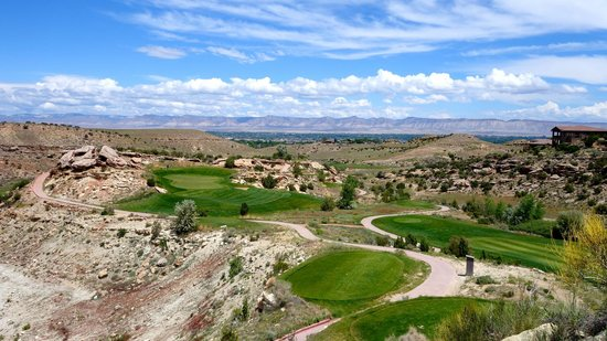 Grand Junction, CO: View of par 3. this place has big elevation changes