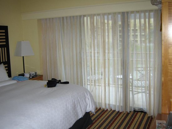 Renaissance Palm Springs Hotel: Zimmer mit Balkon