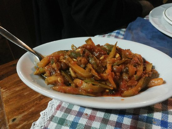 Gli Attortellati: zucchine, uvetta, pinoli (veg)