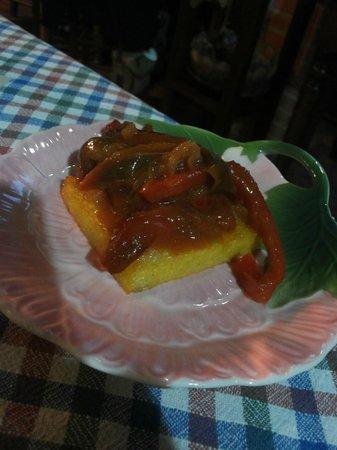 Gli Attortellati: polenta, peperoni, senape (veg)