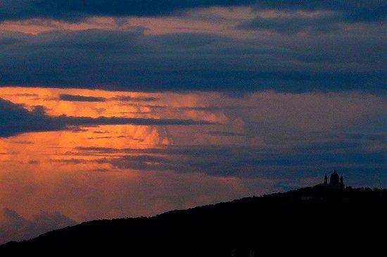 Colline di Torino: Italia: cime tempestose