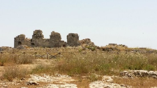 Eurialo Castle : Vista dei ruderi del Castello Eurialo