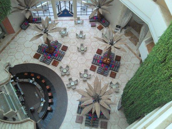 Iberostar Cancun: Lobby center bar