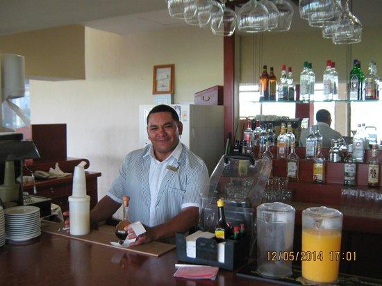 Iberostar Cancun : The golf zone's bar