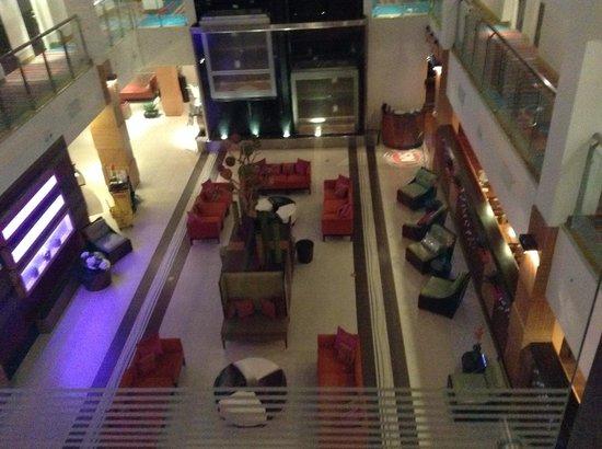Holiday Inn Sarasota - Airport: Beautiful Lobby/Lounging area