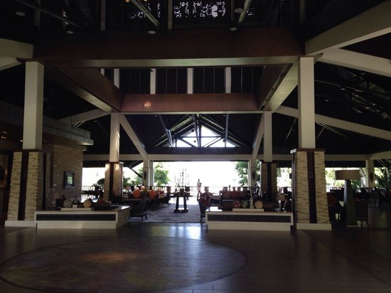 Shangri-La's Rasa Ria Resort & Spa : Entrance