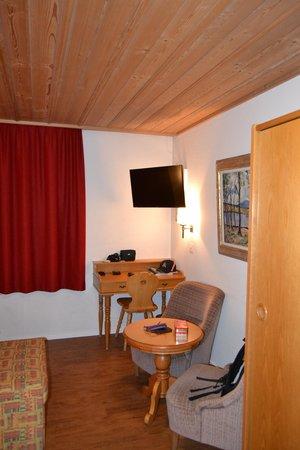 Hotel Hirschen: .