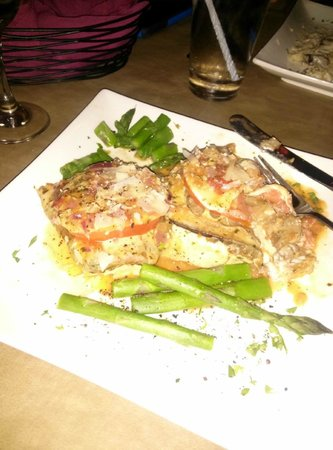 Fratelli's Ristorante Italiano: Chicken Sorentino