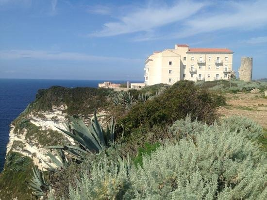 Santateresa Hotel : view from the town