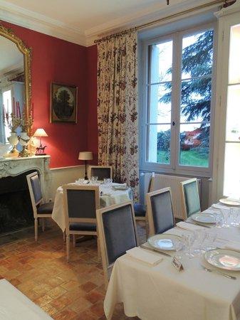 La Salle A Manger Rouge Picture Of La Table De Mestre
