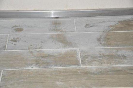 Rixos Premium Belek : l'état du carrelage bien nettoyé dans la chambre