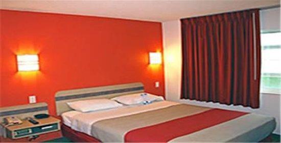 Motel 6 Las Vegas - Tropicana : Hotel room