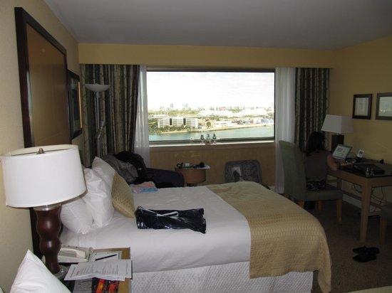 InterContinental Miami : Zimmer mit Blick zum Hafen