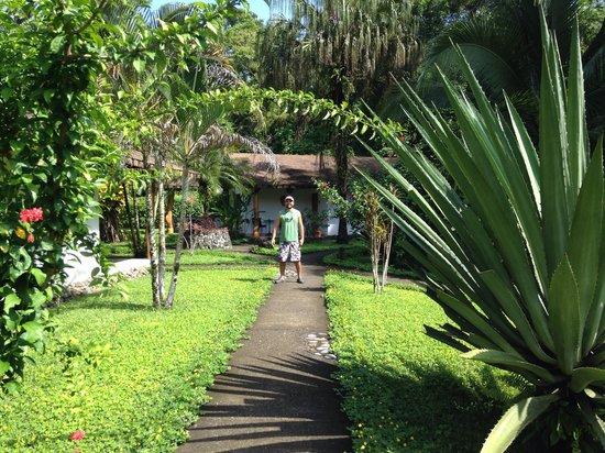 Suizo Loco Lodge Hotel & Resort: Beautiful grounds
