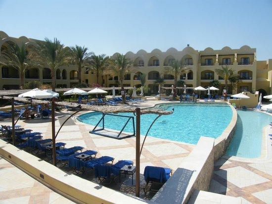 Sol Y Mar Makadi Sun: Вид из столовой на бассейн