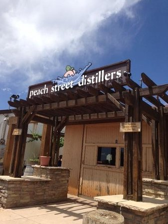 Peach Street Distillers: Patio and Colorado Blue Sky