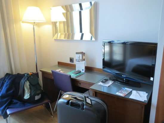 Tryp Madrid Cibeles Hotel: Led