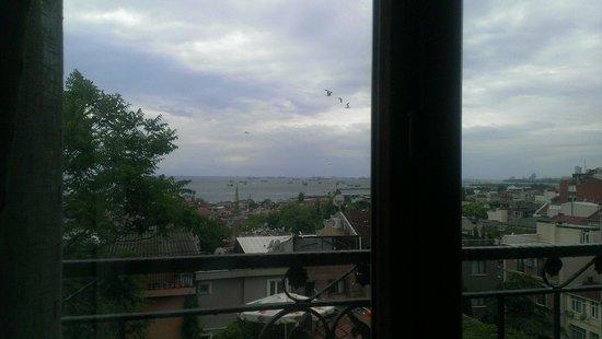 Blue Istanbul Hotel: Meerblick.