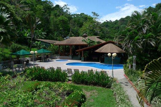 Hotel Playa Espadilla: pool and bar
