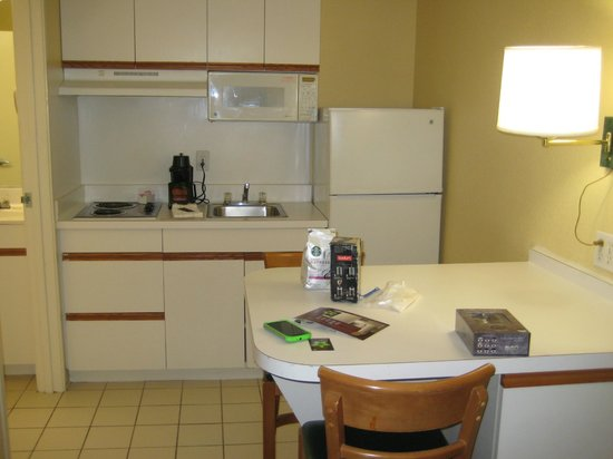 Extended Stay America - Washington, D.C. - Sterling - Dulles: kitchenette
