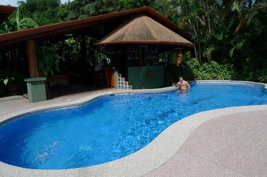 Hotel Playa Espadilla: pool and bar pool
