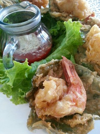Cafe 69 : Tempura prawns with betel leaves and strawberry sauce
