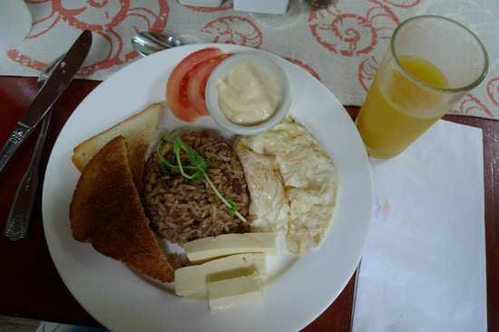 Hotel Playa Espadilla: Tico breakfast menu