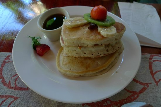 Hotel Playa Espadilla: banana pancakes menu at breakfast