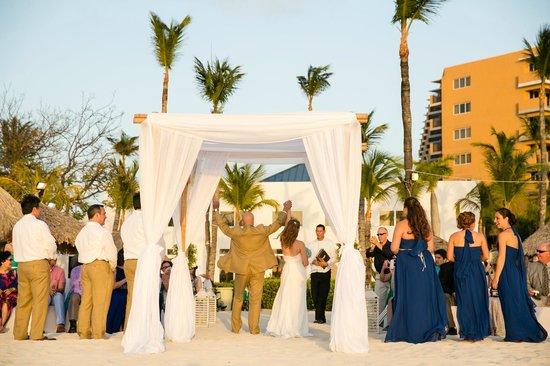 Hilton Aruba Caribbean Resort & Casino: Ceremony