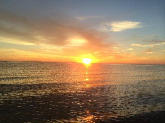 The Three Corners Sunny Beach Resort: восход солнца в 4-45 утра