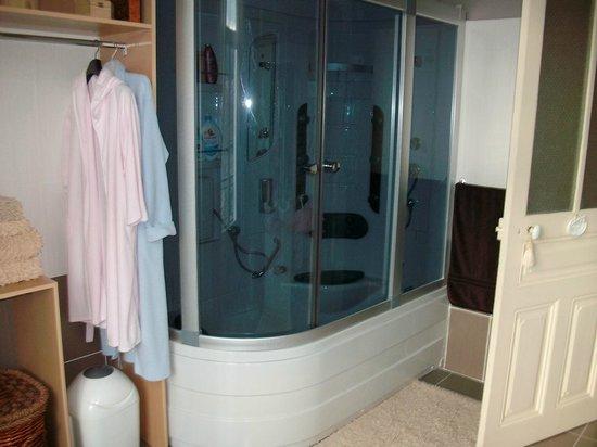 La Villa Quo Incidence: douche spa