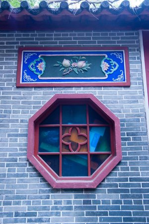 Pak Tai Temple : 桃の窓