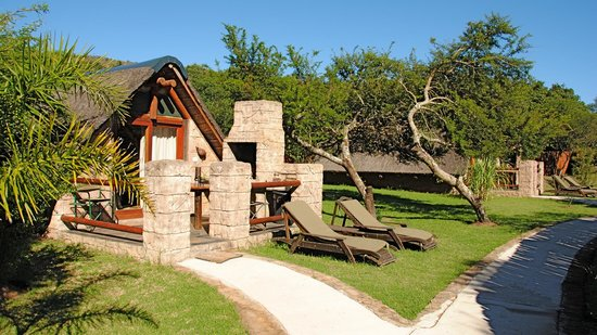 Nyaru Game Lodge: Bungalow with BBQ