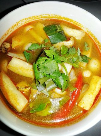 H Bistro at Hansar Samui : Tom yum soup