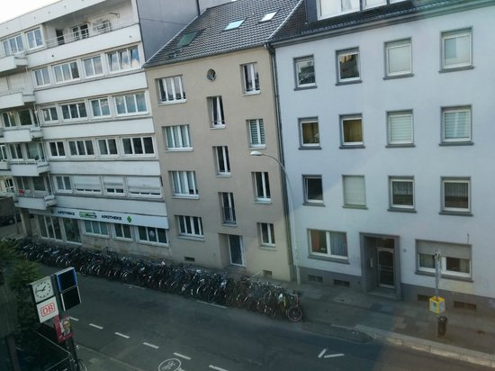 IntercityHotel Bonn : View from room