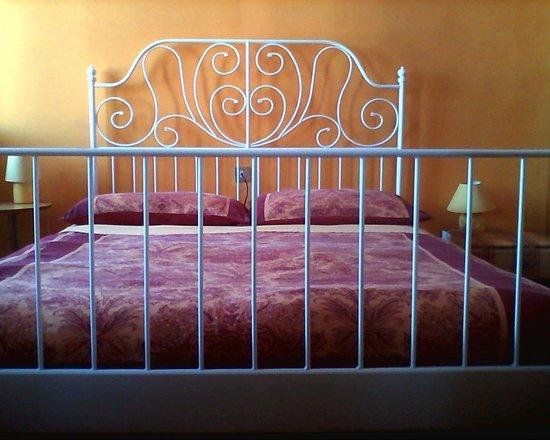 A Casa Di Chiara : Camera gialla