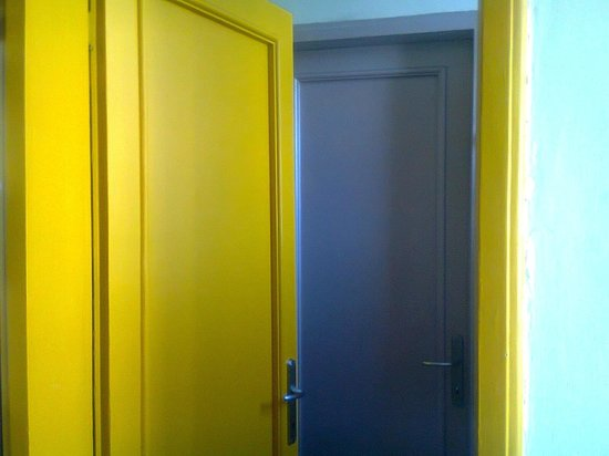 A Casa Di Chiara : Porte colorate